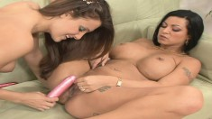 Kimberly Franklin and her lesbian lover lick and toy their dripping twats