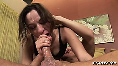 Amber Rayne face blasted by never-ending shower of mucky cum