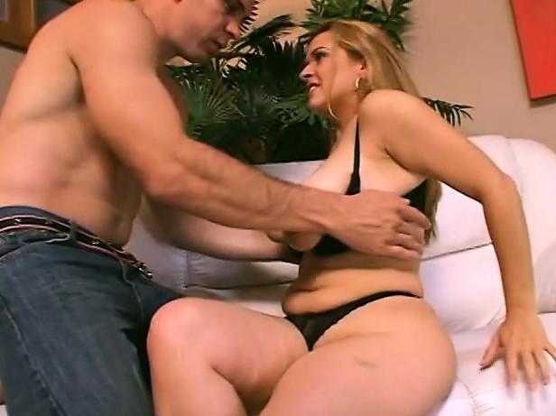 Couger MILF porno naket svart fitte