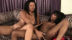 Sweet chocolate lesbians Adriana and Lila eat out each other's pussies